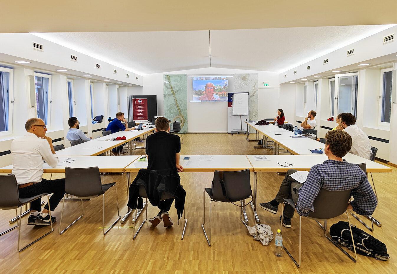 hybrid_meeting